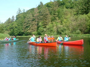 hen-party-canoeing-01